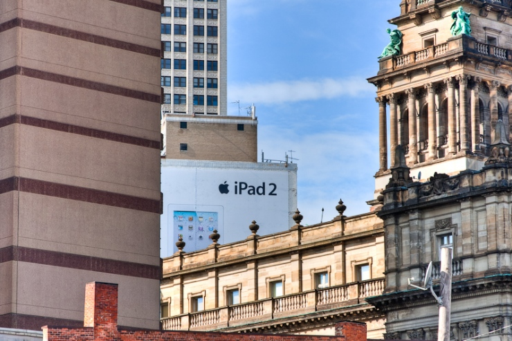 iPad 2 In The City
