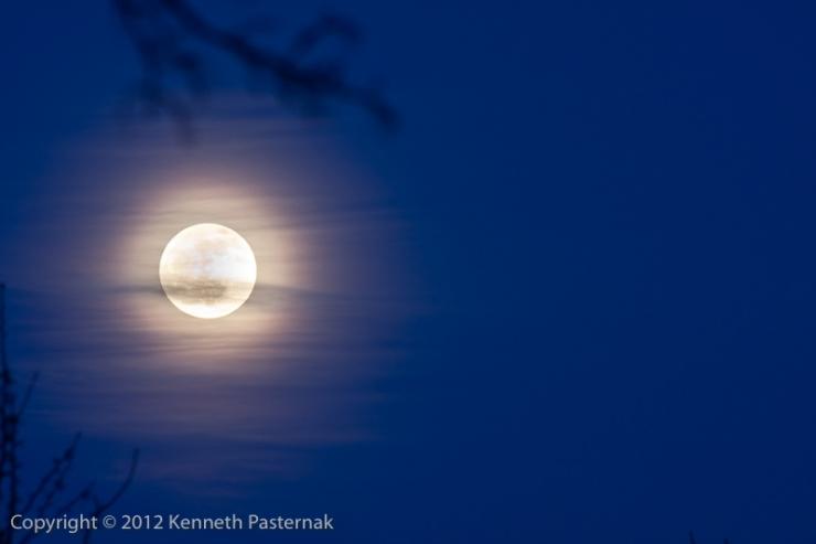 Moon 2012-01-08